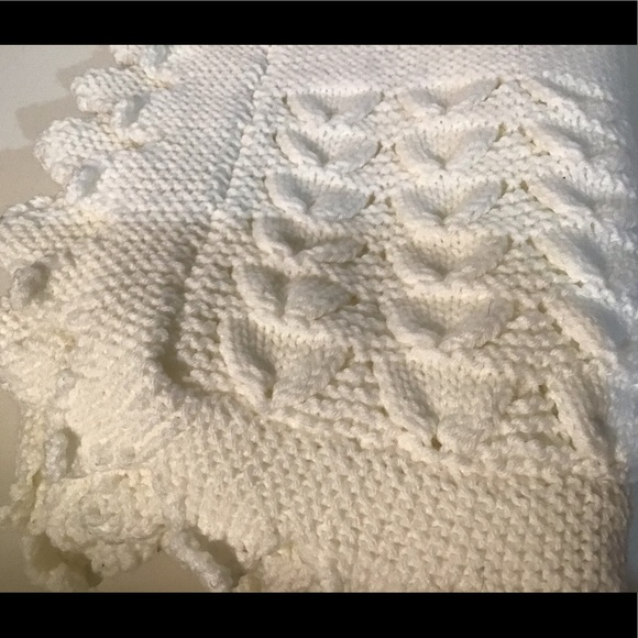 Handmade Other - Beautiful hand knit blanket